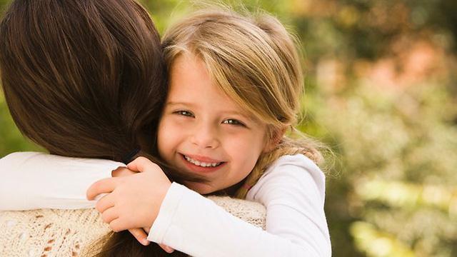 Dấu hiệu nhận biết trẻ thông minh từ lọt lòng
