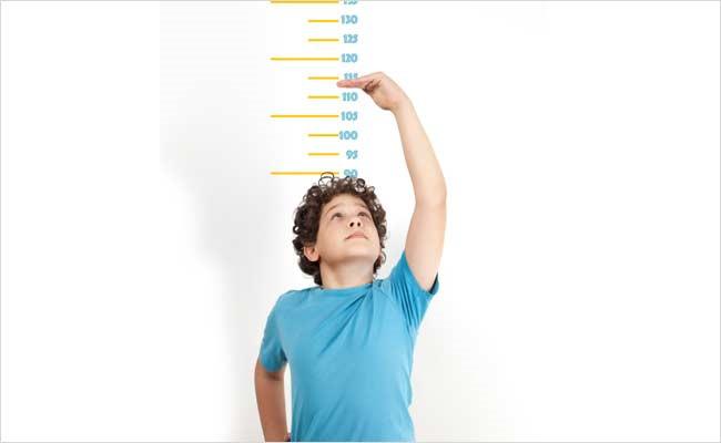 Con trai tăng chiều cao quá nhanh có sao không?